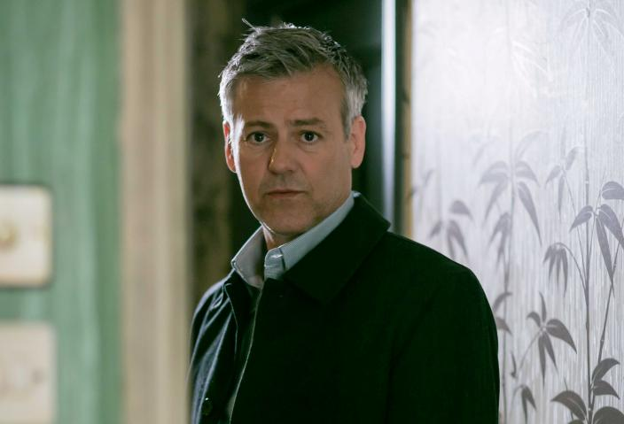 More Lestrade in 2017, please! (Photo: Courtesy of Laurence Cendrowicz/Hartswood Films 2016 for MASTERPIECE_