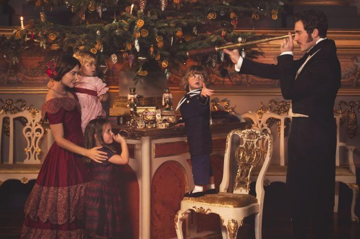 The royal family doing holiday cheer (Photo: Courtesy of ©ITVStudios2017 for MASTERPIECE)