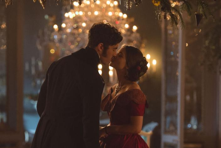 Some Christmas romance for Victoria and Albert (Photo: Courtesy of ©ITVStudios2017 for MASTERPIECE)