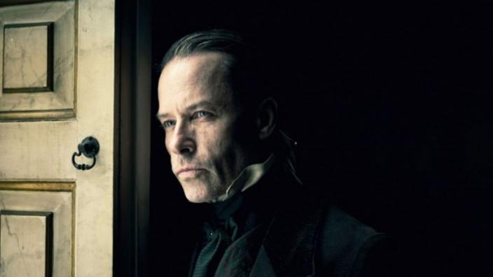 "Guy Pearce in ""A Christmas Carol"" (Photo: Robert Viglasky/FX)"