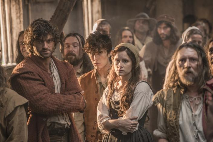 "Sophie Rundle and the cast of ""Jamestown"" (Photo: Carnival Films Ltd 2017)"