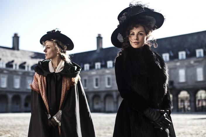 "Chloe Sevigny and Kate Beckinsale in Amazon film ""Love and Friendship"" (Photo: Roadshow Pictures/Amazon Studios)"