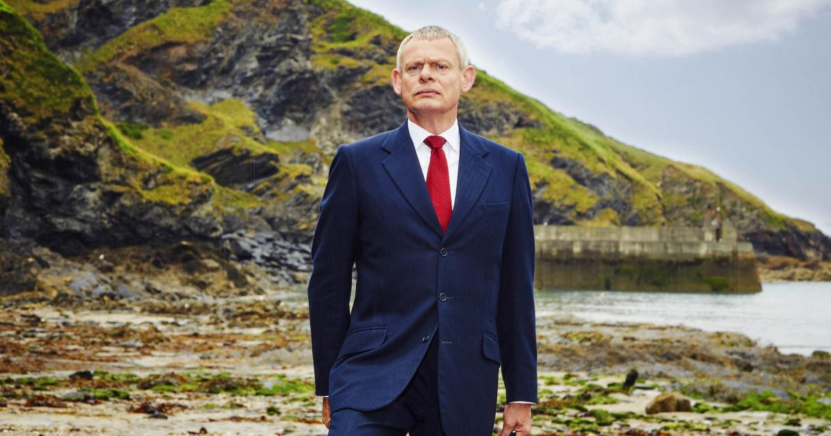 filming is officially under way on 39 doc martin 39 season 8. Black Bedroom Furniture Sets. Home Design Ideas