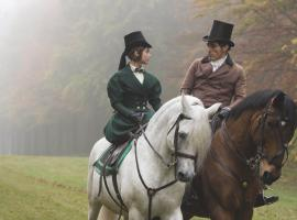 "Jenna Coleman, Rufus Sewell and some gorgeous outfits in ""Victoria"". (Photo: )"