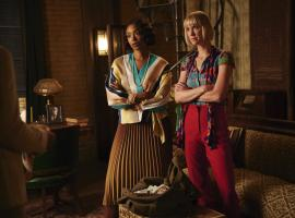 "Lauren Lee Smith and Chantal Riley in ""Frankie Drake Mysteries"". (Photo: CBC)"