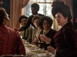 Mrs. Wilcox, Julie Ormand, meets the Bohemians of Edwardian London.  (Photo:  Courtesy 2017 Starz Entertainment LLC)