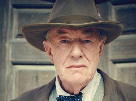 Michael Gambon as Winston Churchill. (Photo: Courtesy of Robert Viglasky/Daybreak Pictures and MASTERPIECE)