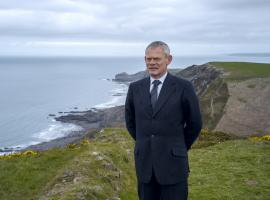 "Martin Clunes in ""Doc Martin"" Season 8 (Photo: ITV/Acorn TV)"