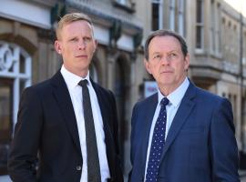One last time: Laurence Fox as DI Hathaway and Kevin Whately as DI Lewis (Photo: Courtesy of (C) ITV Studios/MASTERPIECE)