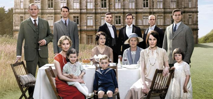 "The ""Downton Abbey"" cast, together one last time. (Photo: Courtesy of (C) Nick Briggs/Carnival Film & Television Limited 2015 for MASTERPIECE)"