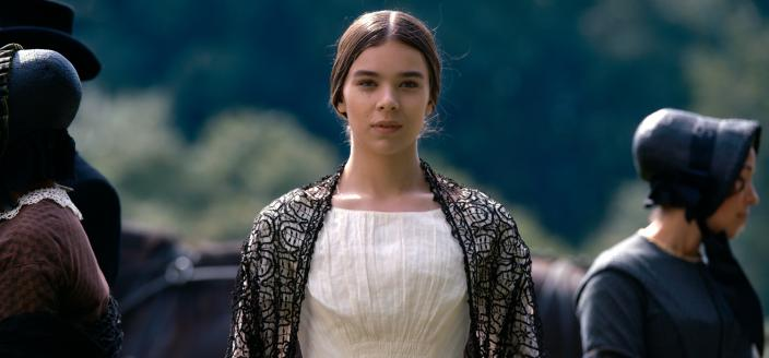 "Hailee Steinfeld in ""Dickinson"" (Photo: Apple TV)"