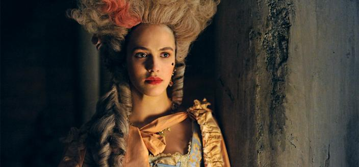 "Jessica Brown Findlay in full ""Harlots"" gear. (Photo: Hulu)"