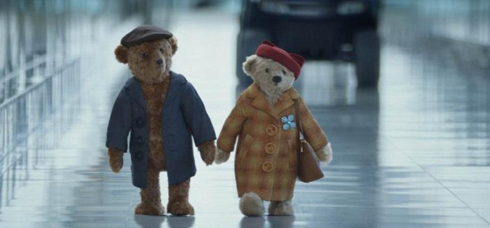 These adorable bears star in the best holiday ad of 2016. (Photo: Heathrow Media Centre)