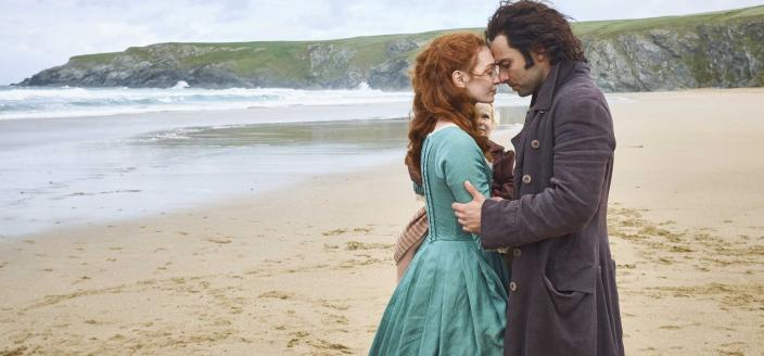 Ross and Demelza look so cute and happy here. (Photo: Courtesy of Mammoth Screen for BBC and MASTERPIECE)