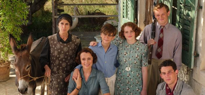 "The cast of ""The Durrells of Corfu"" (Photo: Courtesy of Joss Barratt for Sid Gentle Films & MASTERPIECE)"