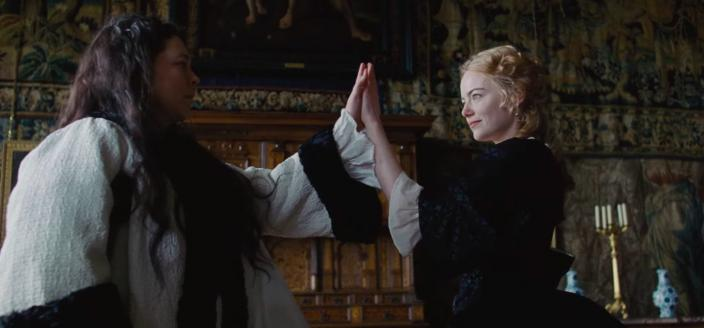 "Emma Stone and Olivia Colman in the trailer for ""The Favourite"" (Photo: Fox Searchlight Pictures)"