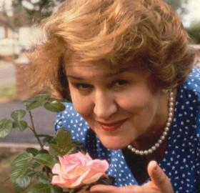 "Patricia Routledge as Hyacinth in ""Keeping Up Appearances"". (Photo: BBC)"