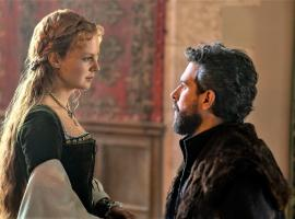 "Alicia Von Rittberg and Tom Cullen in ""Becoming Elizabeth"" (Photo: Starz)"
