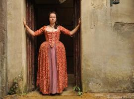 "Samantha Morton in ""Harlots"" (Photo: Hulu)"