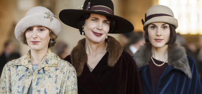 """Laura Carmichael, Elizabeth McGovern and Michelle Dockery in """"Downton Abbey"""" (Photo: Courtesy of © Carnival Film and Television Limited for MASTERPIECE)"""