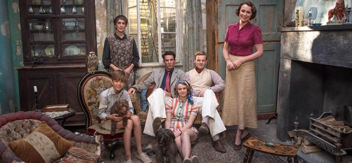"""The cast of """"The Durrells in Corfu"""" Season 2! (Photo:  Courtesy of John Rogers/Sid Gentle Films & MASTERPIECE)"""