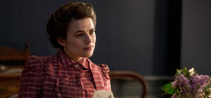 Hayley Atwell as Margaret. (Photo: Courtesy of 2017 Starz Entertainment, LLC)