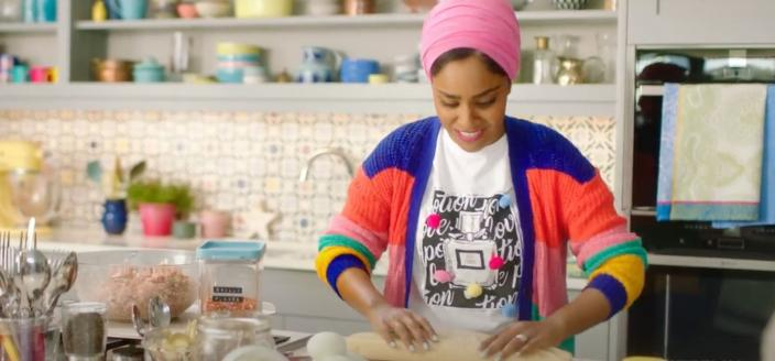 "Nadiya in the ""Time to Eat"" trailer (Photo: Netflix/YouTube)"